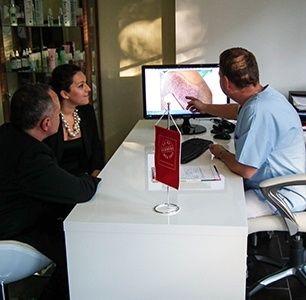 Miért válassza a HIMG Klinikát?  - Minőségi hajbeültetés Budapest belvárosában